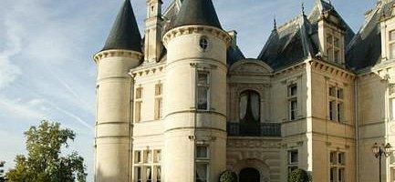Château de Mirambeau.