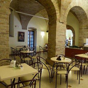 Interno - Bar Gelateria Tre Archi