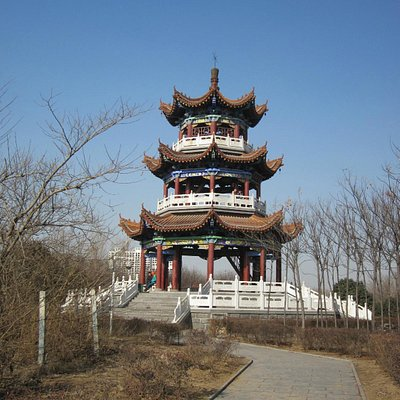 Pagoda in yhe park