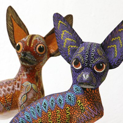 Chihuahuas, detail, copalillo wood, approx. 15 cm high