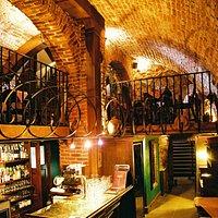 bar & mezzanine
