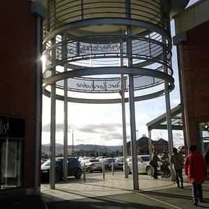 Entrance to Parc Llandudno from Mostyn Broadway