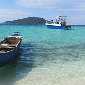 See amazing sites around the Bay Islands of Honduras