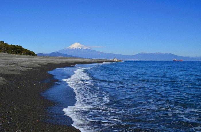 三保海岸は波も静か