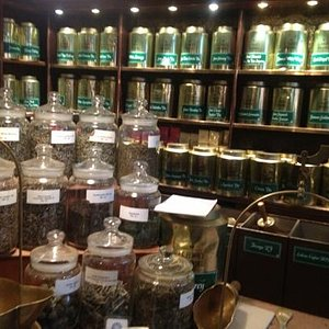 so many different kinds of tea!