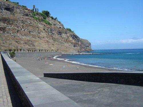 Hermosa vista de La Playa de La Cueva.