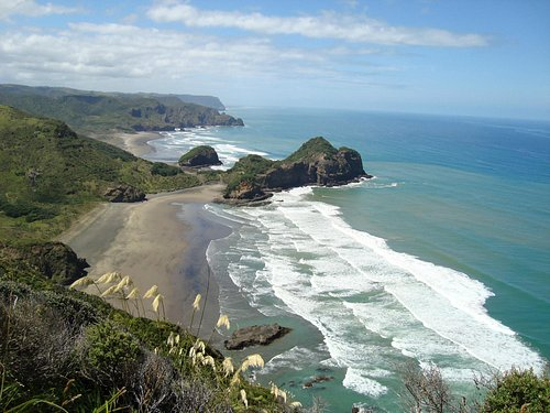 Bethells beach and O'Neills beach from the Hillary Trail.