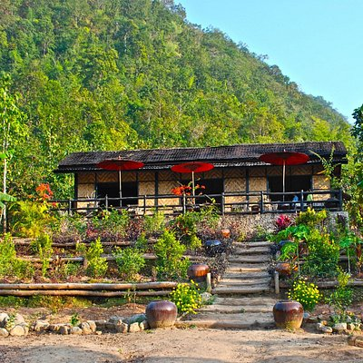 An oasis in nature with dining on the terrace