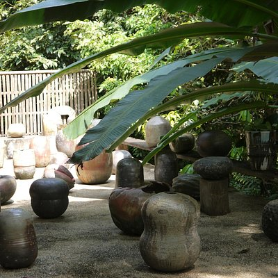 courtyard of pottery