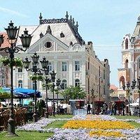 Trg Slobode - Liberty Square waar de kerk aan ligt