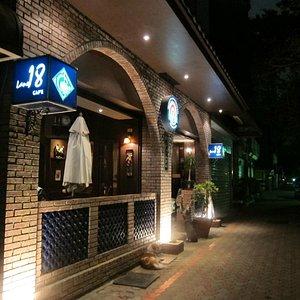 Cafe Lane 18