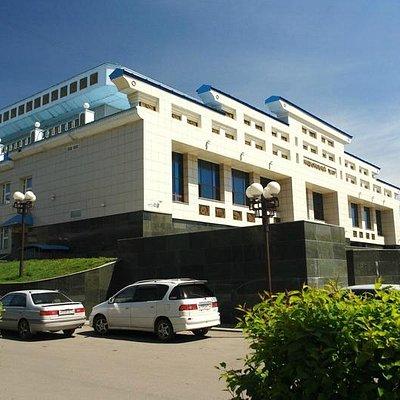 здание национального драмтеатра