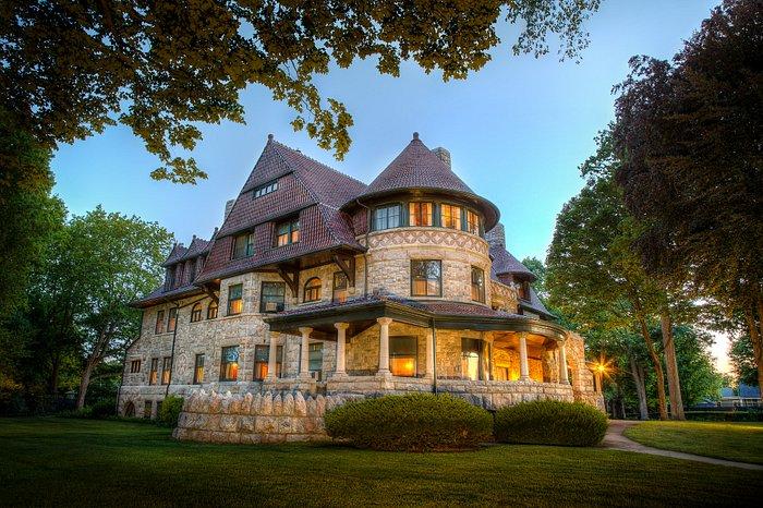 Oliver Mansion, Built in 1895