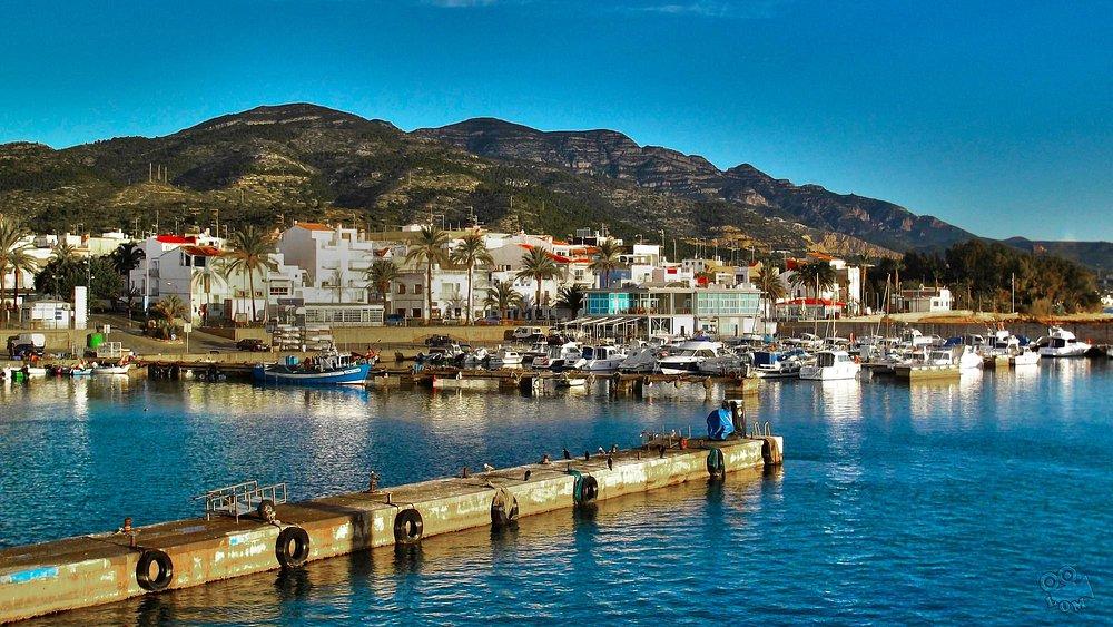 Puerto de Les Cases d'Alcanar (Al fondo, e