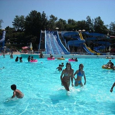 basen rekreacyjny/zjeżdżalnie