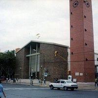 catedral con campanil