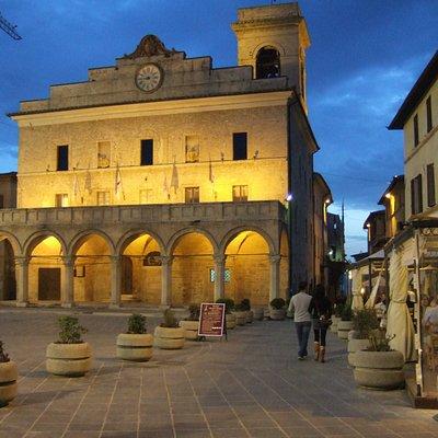 Montefalco at night