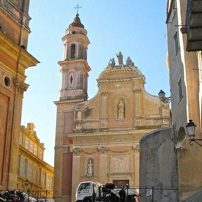 Chapelle des Pénitents Blancs, à côté de la Basilique