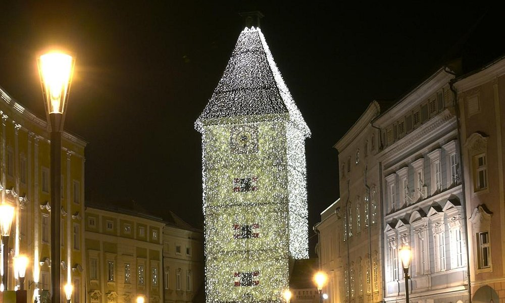 Ledererturm - weihnachtlich geschmückt