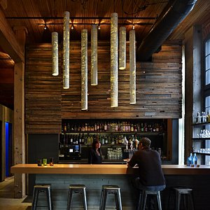 full bar (photo credit: Benjamin Benshneider)