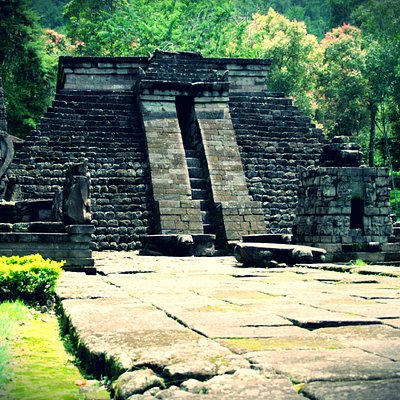 Candi Sukuh - front view