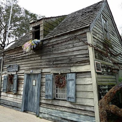 Oldest schoolhouse in US