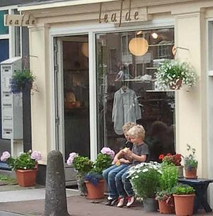 Leafde store front