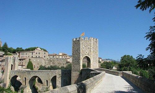 Viejo Bridge in Besalú