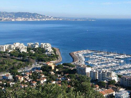 Baie de Cannes vue du Mont San Peyre