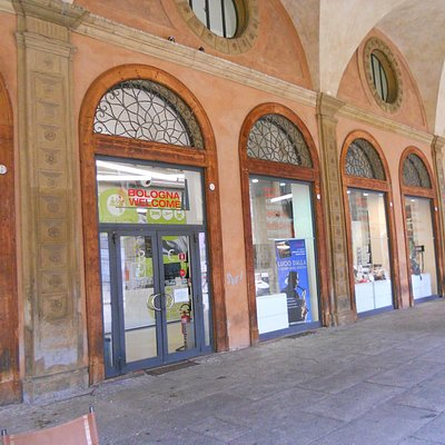 BOLOGNA TOURIST OFFICE