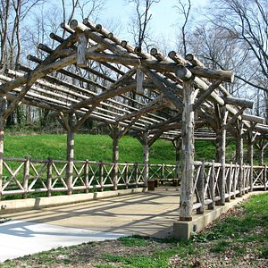 nice bridge structure on the grounds of the botanical garden