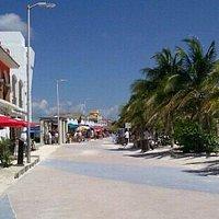 amazing beach,Food and shooping