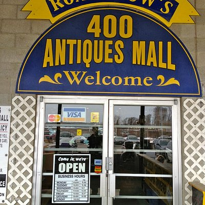 400 Antiques Mall Entrance