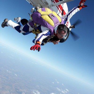 Parachutisme et saut en parachute Tandem près de Paris