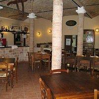 sala ristorante in stile rustico