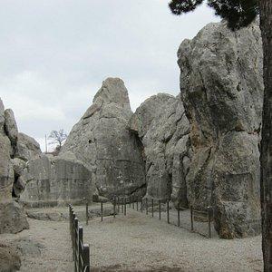 ヤズルカヤ遺跡 ・・・神が宿る岩山