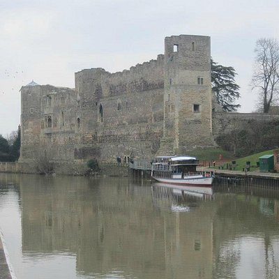 Newark Castle from the lock gates