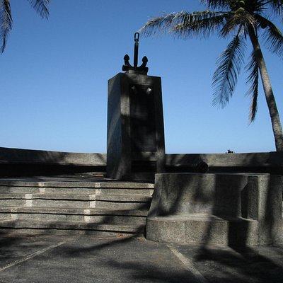 Stingray submarine memorial.