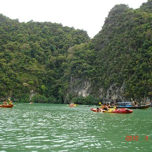 Inside the lagoon area - Water only waist deep - Superb!!