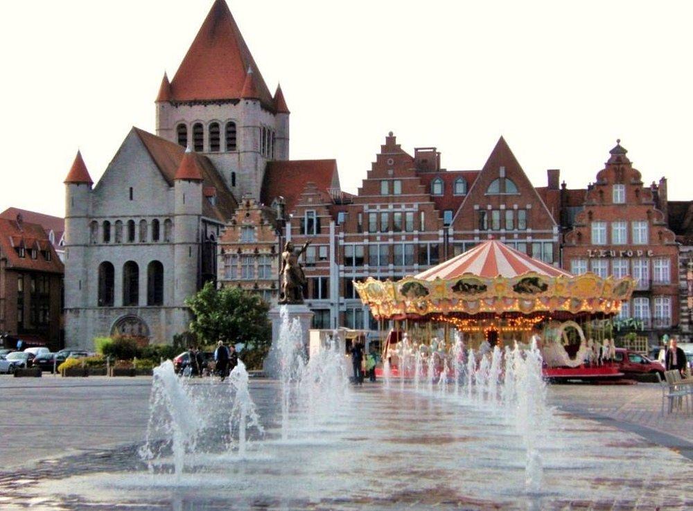 Eglise Saint-Quentin, Grand-Place 44, Tournai 7500,