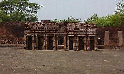 excellent stone carvings at ratnagiri
