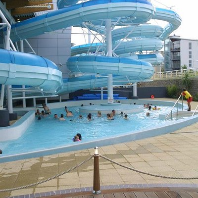 Outdoor lazy river - open from April to September, term time weekends - sat 12pm-6pm / sun 10am-