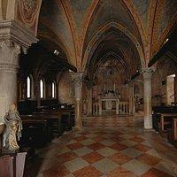 Chiesa di Santa Lucia navata centrale