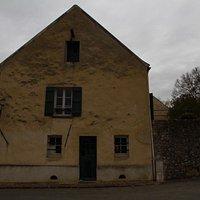 une des façades de la maison de Braille