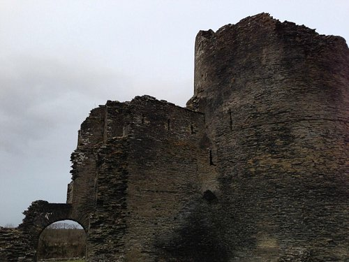 Cilgerran Castle entrance