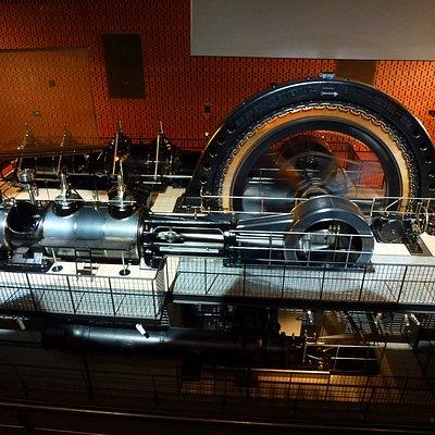 Cette machine a alimenté en électricité les Ets D.M.C. à Mulhouse de 1901 à 1947.