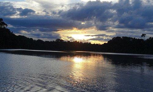 Atardecer en lago Tres Chimbadas