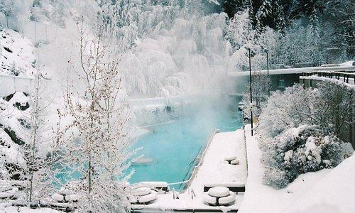 Radium Hot Springs Winter Shot- Credit Parks Canada, Ken Fisher