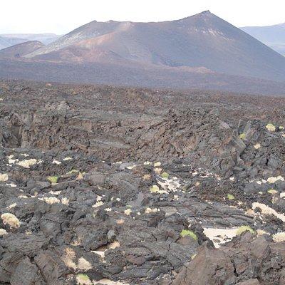 Camino de valles y volcanes