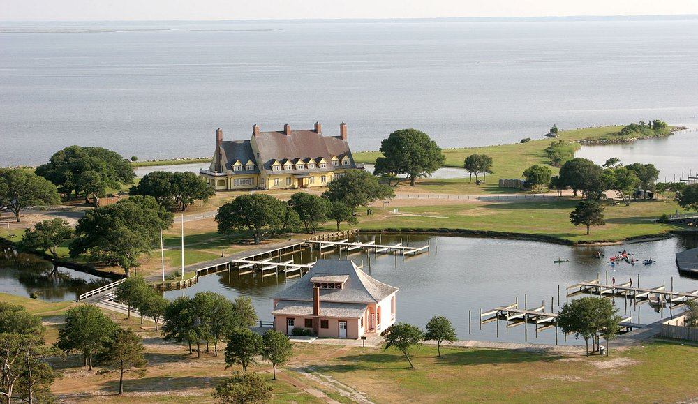Whalehead in Historic Corolla and boathhouse